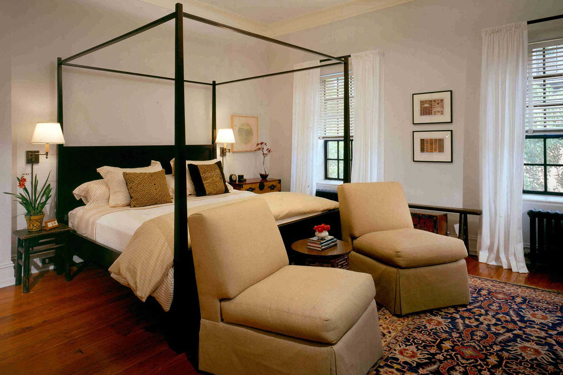 05-master-bed
