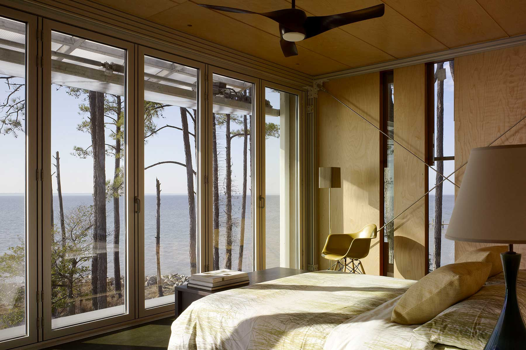 07-lob-guestbed