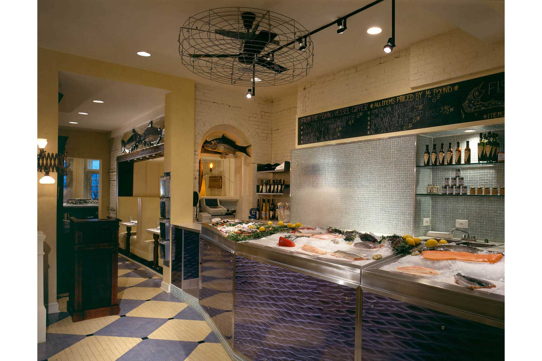1-Fresh-Fish-Display