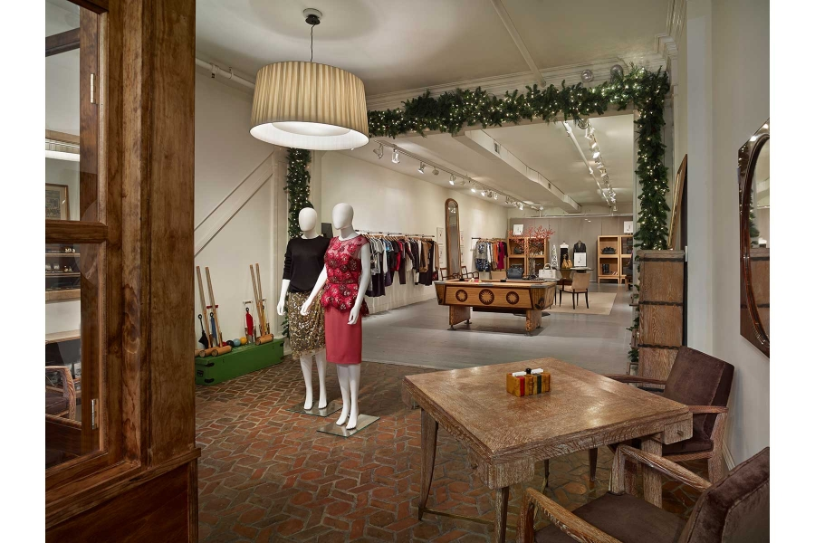 1-Holiday-Pop-Up-Shop
