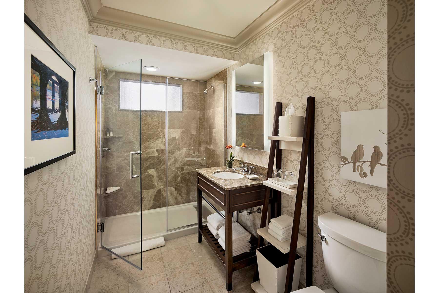 4-Guest-Bathroom